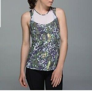 Lululemon running in the cutting floral tank sz 2
